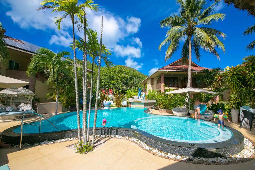 cousine island hotel
